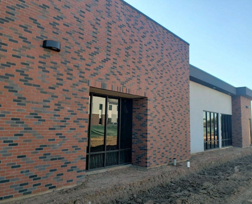 StoneCrafters in Phoenix, Arizona: Brick Veneer - 60% Sunset Red, 20% Brown Flashed, 20% Charcoal 2